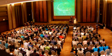 1-Presentation-in-progress-in-he-conference-hall